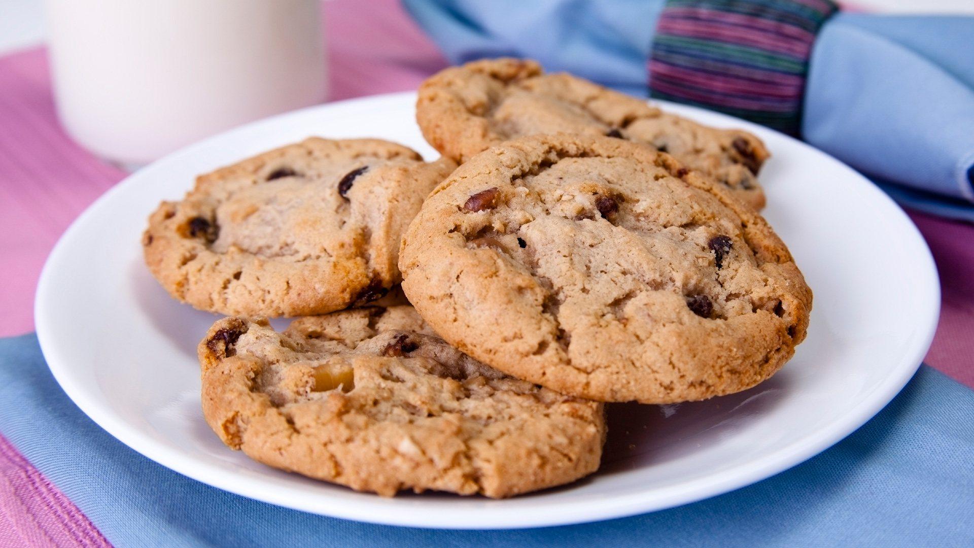 healthy dark chocolate chip cookies