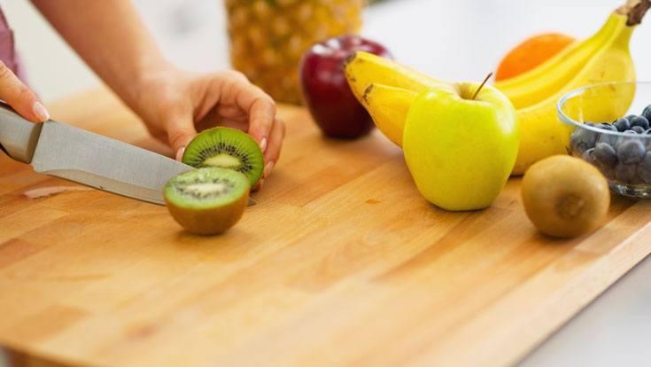 how to eat a kiwi