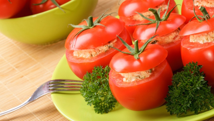 tomato stuffed tuna salad